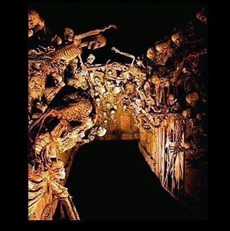 HOD100D-Corridor-of-Corpses-Deluxe-Pneumatic-pkg1-461x464
